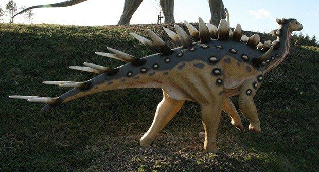 09. Kentrosaurus