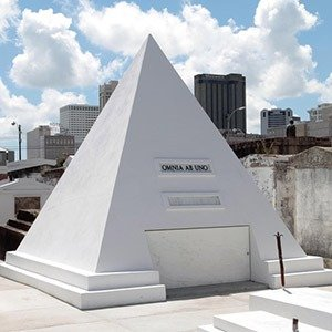 Nicolas Cage Tomb