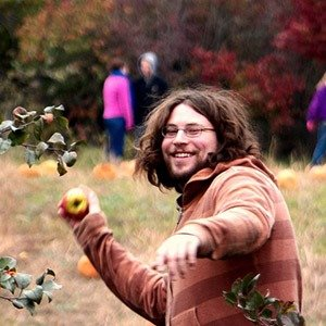 Throwing an apple