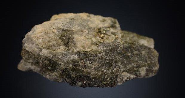 04 Coloradoite