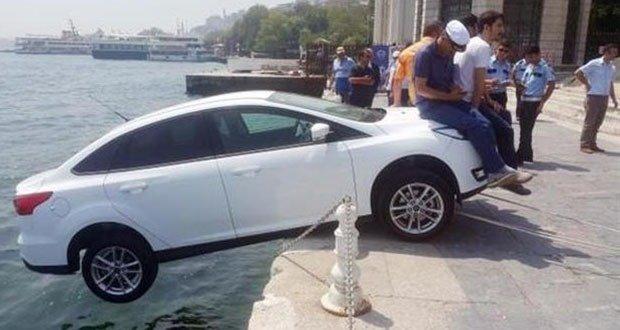 07. Istanbul Locals Save Car