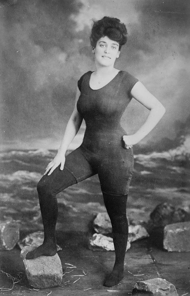 Annette Kellerman promotes one-piece bathing suit