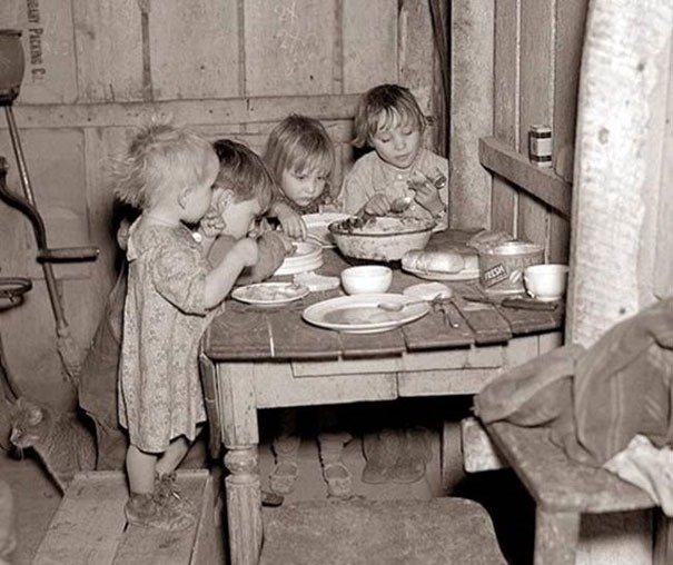 Christmas dinner during Great Depression