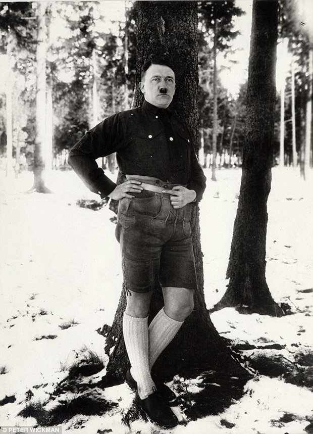 Hitler in lederhosen