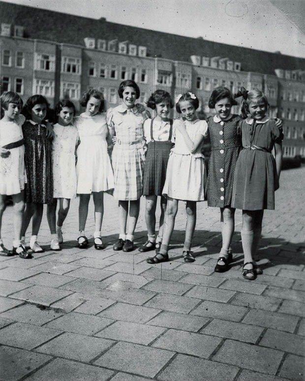 02. Anne Frank