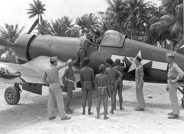 """03. F4-U """"Corsair"""" plane"""