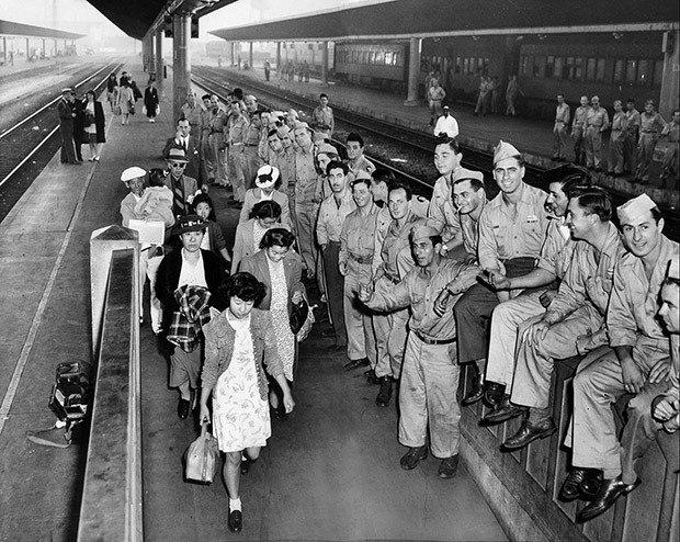 06. Japanese American internees