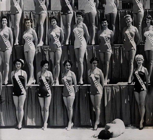 06. Miss Universe contestants