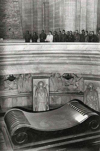 19. Tomb of Napoleon