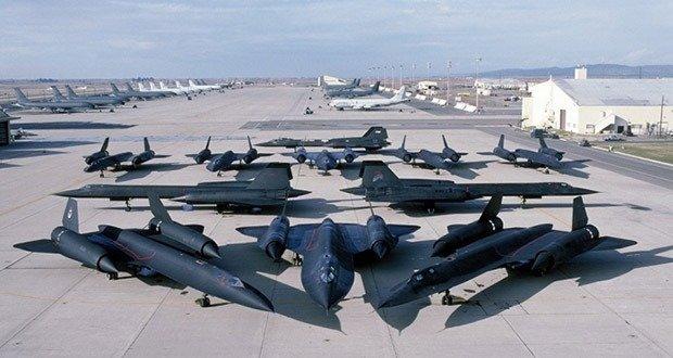 SR-71 Blackbird 4
