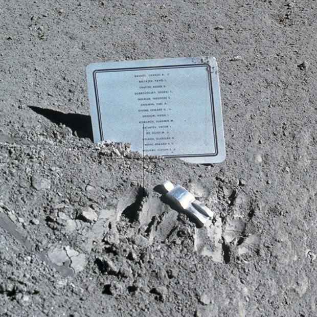 04. Fallen Astronaut