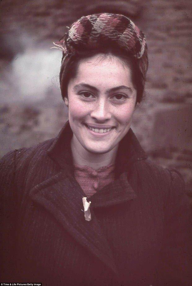 01. Jewish Woman