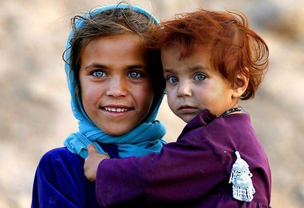 06. Afghan girl