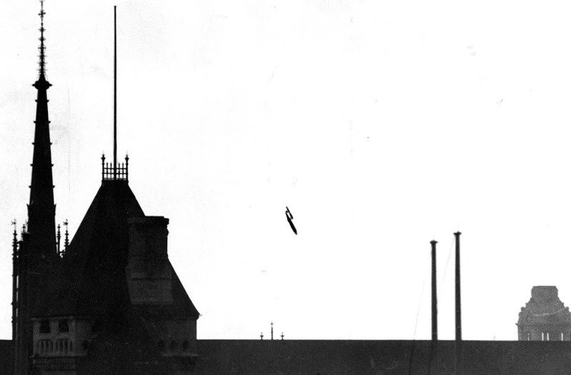 02. Buzz Bomb