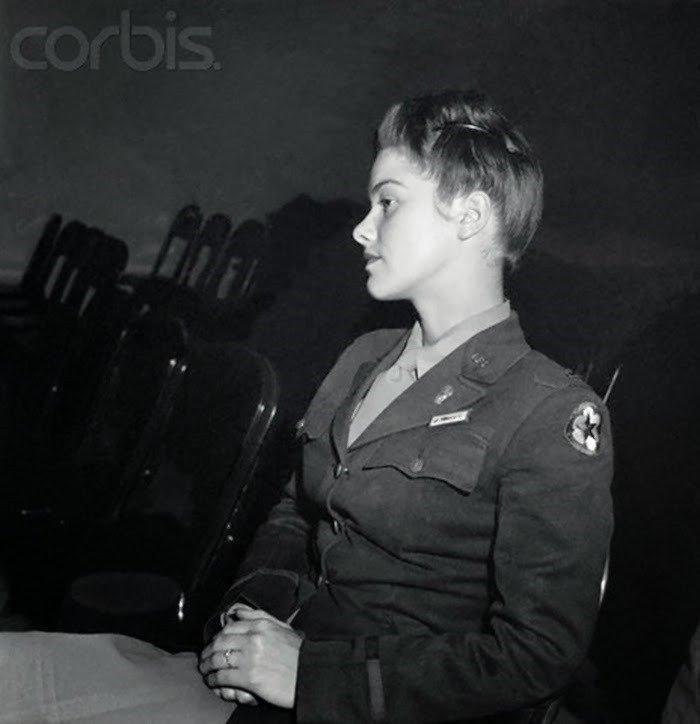08. Lt. V. Rhodes