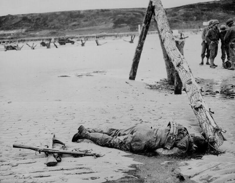 20. Crossed Rifles