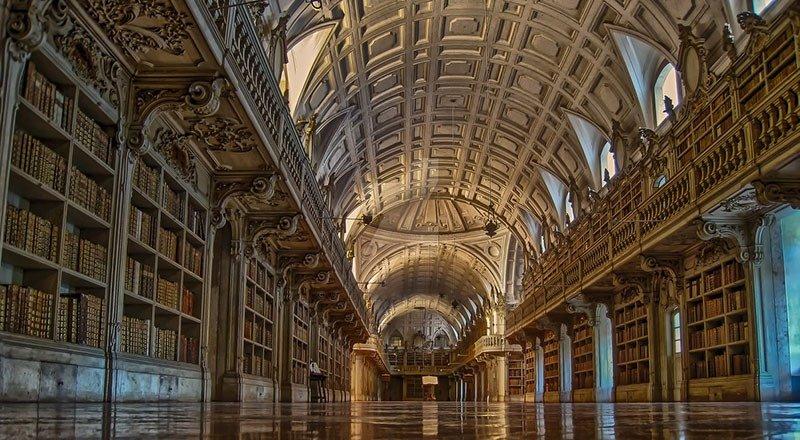 02. Mafra Palace Library