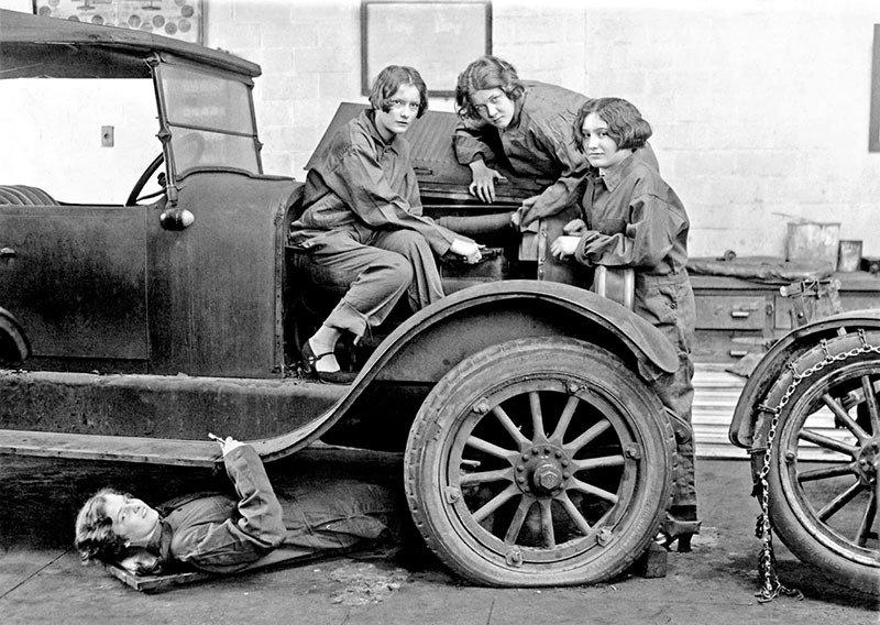 10. Female Mechanics