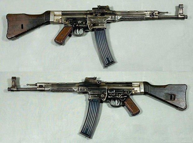 01. StG 44 Assault Rifle