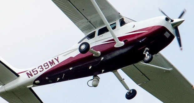Low-flying surveillance planes