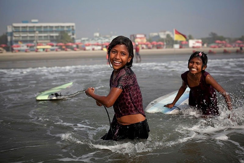 Bangladeshi Surf Girls