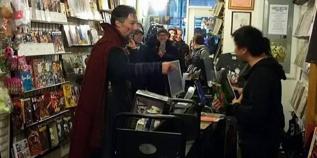 doctor-strange-buying-comic-book