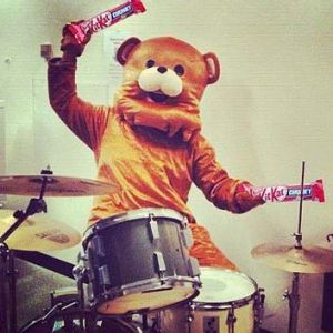 bear-using-kit-kats-as-drumsticks