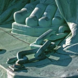 statue-of-liberty-mortons-toe