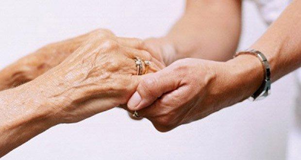 caregiver-holding-hands
