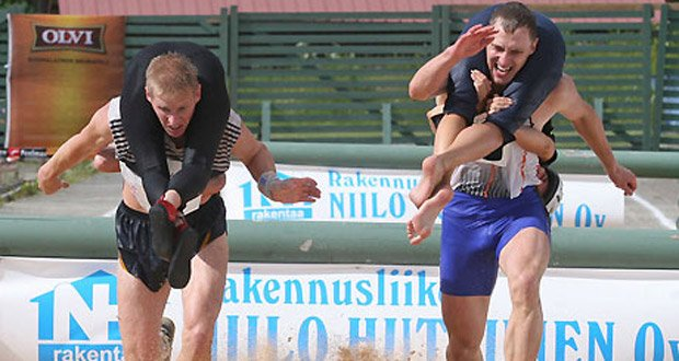 wife-carrying-championship-finland