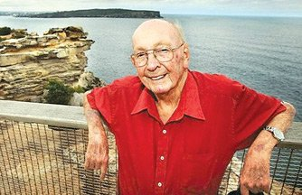 australian-man-lived-by-cliff