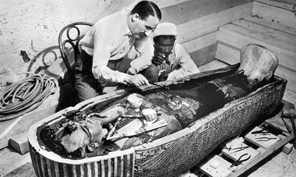 english howard carter entered the sealed burial chamber