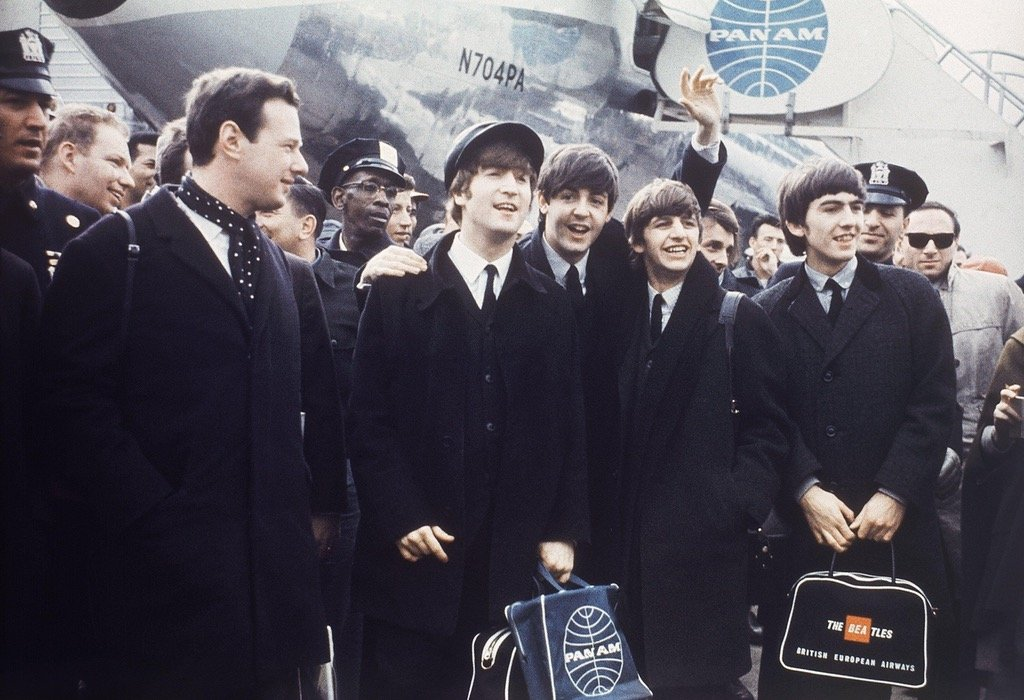 the-beatles-arrive-in-the-ny-for-their-first-us