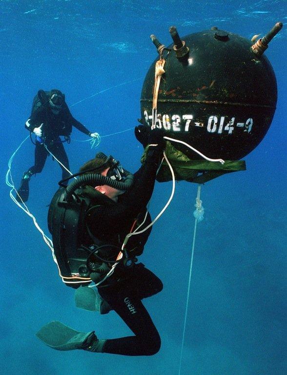 us navy diver