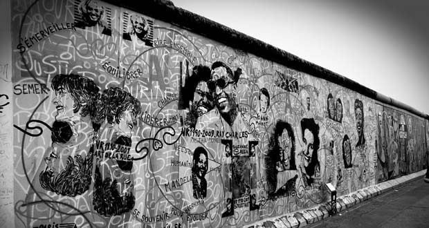 20 Facts about the Berlin Wall   Fun Facts About The Berlin Wall